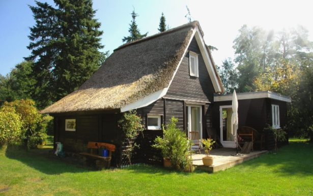 688 - Ferienhaus unter Reet am Ostseestrand von Heidkate/Wendtorfer Schleuse !