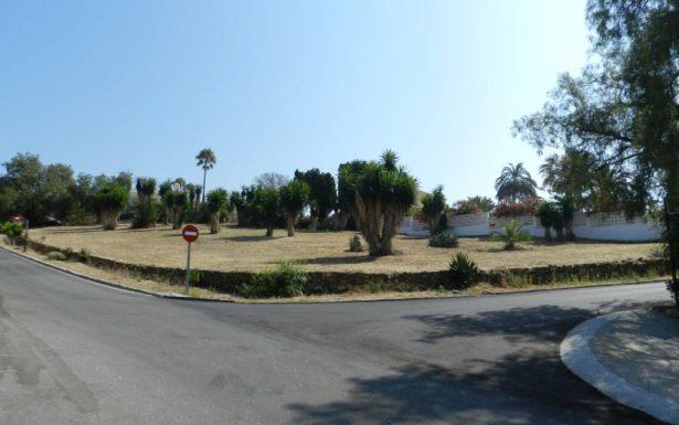 P434 - 2 sehr schöne Grundstücke in Las Lomas de Pozuelo in Marbella zum Verkauf
