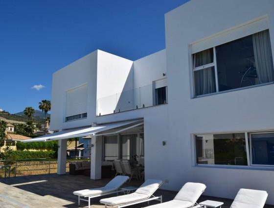 V1840-Moderne Neubauvilla in La Quinta in Benahavis