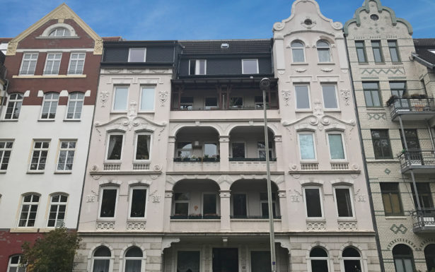 943 - Frisch renovierte 2,5 Zimmer Wohnung beim Südfriedhof