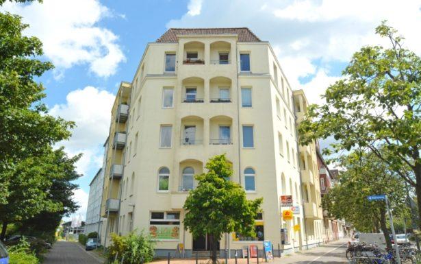 946 - Helle 2 Zimmer Dachgeschosswohnung nahe dem Schreventeich