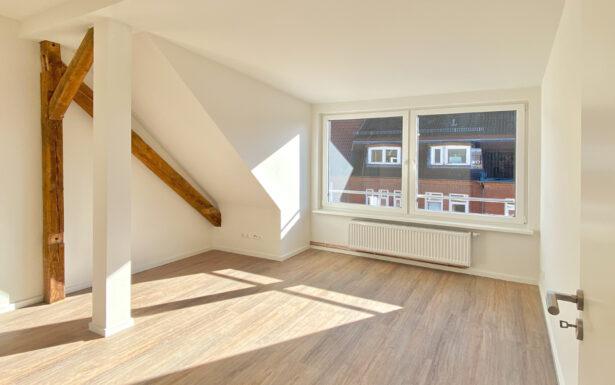 190 - Schöne Dachgeschoss Wohnung nahe dem Blücherplatz in Kiel